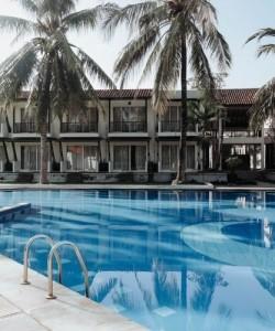 Ana Holiday Inn