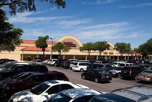 Tradewinds Shopping Center